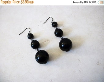 ON SALE Retro Chunky Black Acrylic Dangle Earrings  112816