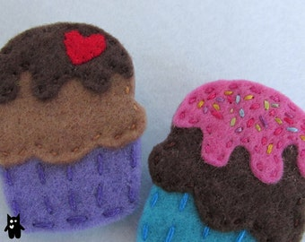 Hand Sewn Cupcake Felt Brooch\\Choose your flavours and toppings!