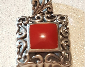 Vintage Red Stone Sterling silver Pendant. 925