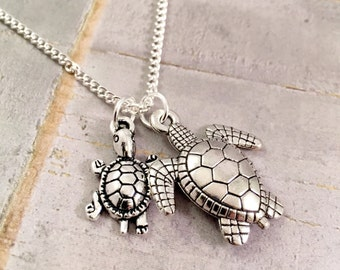 Turtle Necklace Mother Daughter, New mom turtle jewelry, Mother Child, Mother Son Jewelry, Beach jewelry, gift for mother, push present