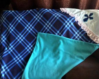Christian Comfort oversized throw blanket