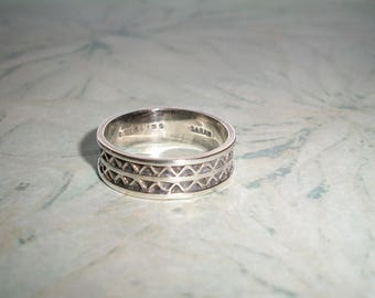 Vintage Signed Sterling Sarah Ring,triangles,abstract,wedding band,4.2 grams,not scrap,size 9,UNISEX,designer