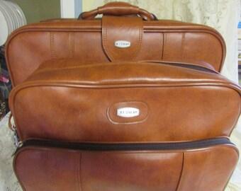 Set of luggage Caramel color, VTG Weekending Caramel Suitcases, VINTAGE Retro travel shoulder bag
