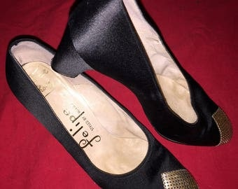 Vintage FELIPE BY WEXNER Black Satin With Gold Cap Toe Pump Heel Shoes sz 5.5