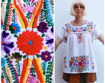 Vintage Mexican Embroidered Tunic / Retro Peasant Top / Size 8 -12