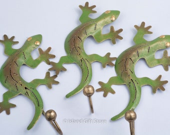 Single gecko hook, Metal Art, Painted Metal Gecko, Wall Hook, Gecko Metal Wall Art