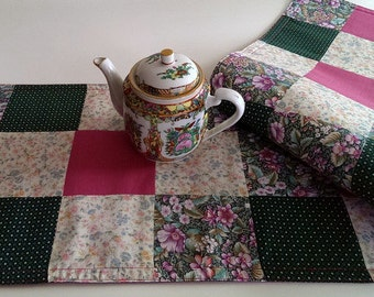 Green and Pink Table Runner