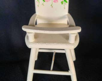 Small toy highchair