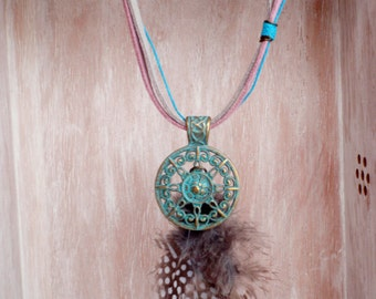 Tribal neckglace-Mandala - Natural feather - ethnic necklace natural mandala+plumas - Antelina light grey and pink + lace turquoise