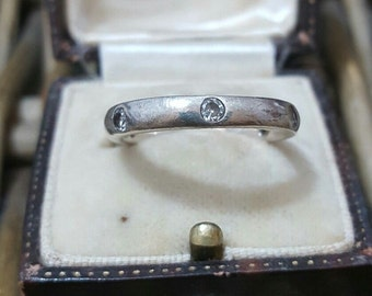 Vintage 925 sterling silver ring/band with cubic zirconia, size o1/2