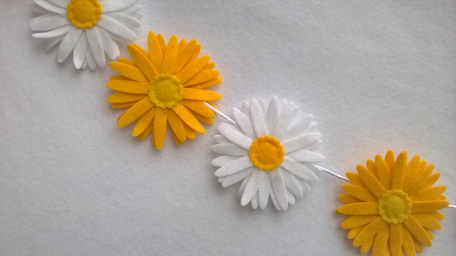 Felt Daisy Decoration Easter Decoration Yellow White Easter Bunting Gerber Daisy Bunting