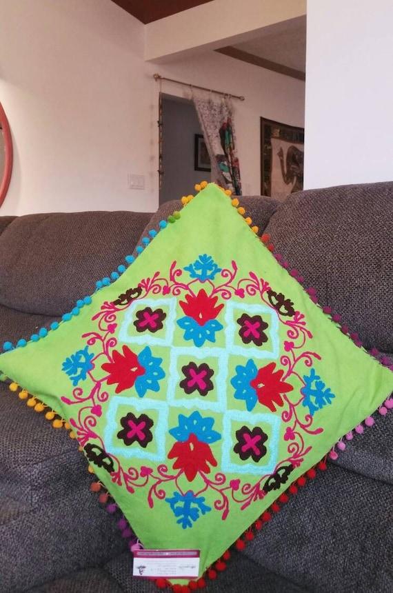 Suzani pillow cover, Boho couch cushion, boho accent pillow, Boho bed pillow, Gypsy pillow, Bohemian patio, patio decor, xmas gift for her