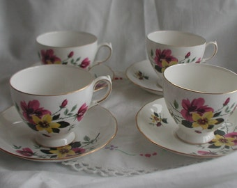 Set of 4 Gainsborough Bone China Hand Painted Sunny Flower Design Cups and Saucers