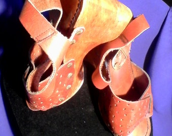 Clogs Mules Sandals PLATFORM SHOES Wooden Clogs High Heels Diva Clogger Disco Dancing GoGo Girls London British Bands Hipster Bohemian Shoes