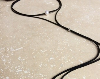 Long Pearl Leather Lariat,Leather suede choker,Leather suede pearl necklace,long freshwater pearl lariat choker,long freshwater pearl lariat