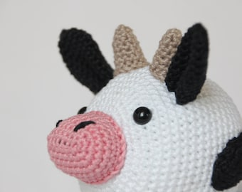 Crochet pattern Kaley the cow