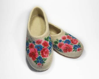 Women Slippers Felted shoes natural wool - Home slippers Handmade shoes - Felted wool slippers white - Warm house shoes - Wool felt shoes