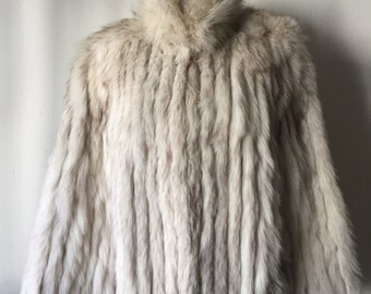 Charming Brand New Short White Genuine Polar Fox Fur Coat Comfy And Warm Women's Size Medium.