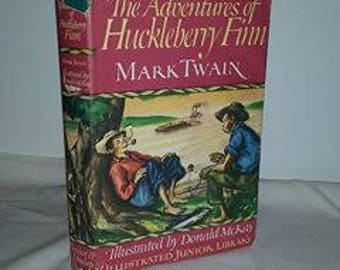 Vintage Mark Twain, Adventures of Huckleberry Finn, Hardback, Illustrated Junior Library, Color and Black and White Illustrations, 1948