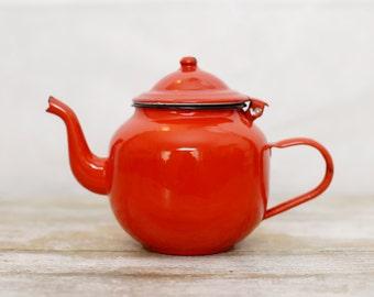 Vintage red enamel teapot - Vintage round metal teapot - Red enamelware tea can - Enamel coffee pot - Vintage enamelware