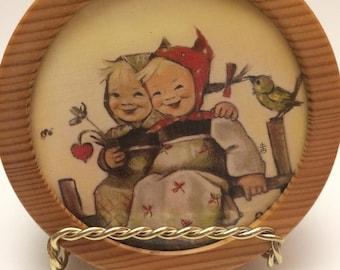 Hummel Music Box. Vintage Music Decor. The Yellow Bird. Children's Music Box, Reuge Wood Music Box. Baby Shower Gift. Collectible Hummel.
