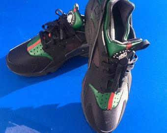 """Custom """"Gucci"""" Nike Huarache"""