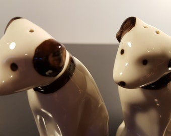 Vintage - Salt and Pepper Shakers