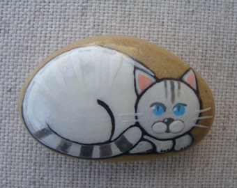 White cat-magnet-magnet-magnet-stone-stone handpainted frige-lucky stone-original thumbnail