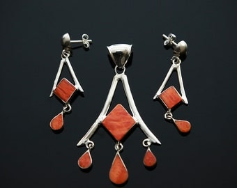 Silver set with Spondylus (thorny oyster shell)
