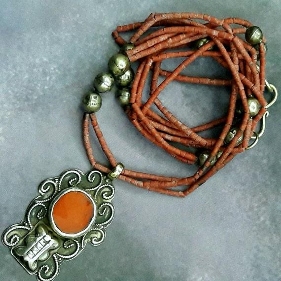Resultado de imagen para joyería de plata de Turkmenistán