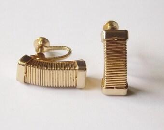 Coro Screw on Earrings Gold tone Rectangles with Ribbed pattern Coro earrings Gold Tone earrings Rectangle earrings Coro Screw on
