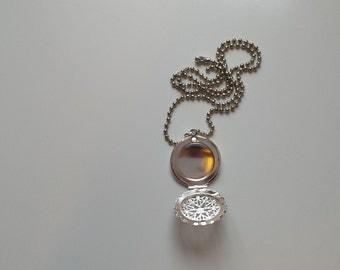 Round  detailed flower locket 925 silver