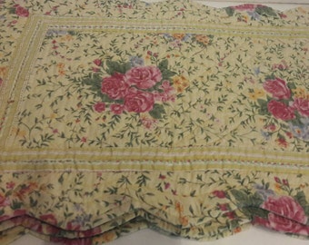 Vintage Yellow Floral Quilted Shabby Country Cottage Placemat Set