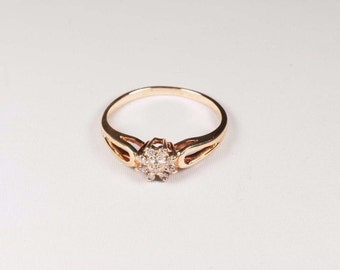 14K Yellow Gold Small Diamond Cluster Ring, 1.8 grams, size 6.75