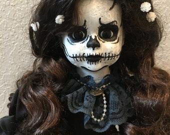 Creepy doll - Esqueleta