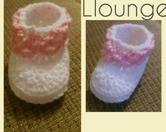 Girls baby booties 0-3 months