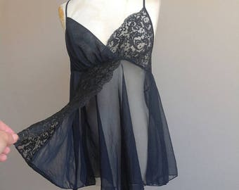 M / Victoria's Secret Lingerie Sheer Chiffon Black Negligee Nightie / Medium