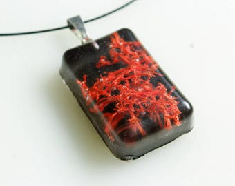 Necklace, moss, red, black, resin