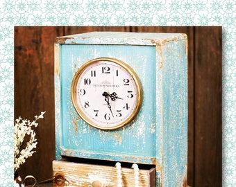 Blue Table Top Clock // Clock // Vintage Clock // Vintage // Vintage Farmhouse // Vintage Kitchen // French Country // Home Decor