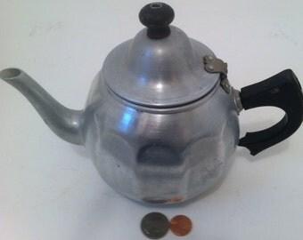 Vintage Aluminum Tea Kettle Pot, Tea Pot, Made in USA, Pure Aluminum, Great Northern Quality Brand, Chicago, Shelf Display, Home Decor