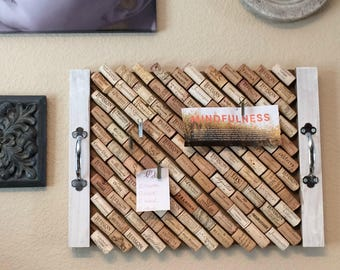 "Inspiration Board with ""Wines of the World"" Cork Tray and set of 4 Memo Pins"