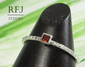 Square Natural Garnet Textured Silver Ring, January Gemstone Stacking Promise Ring Princess Cut 2x2 mm Red Garnet Ring Square Setting Rings