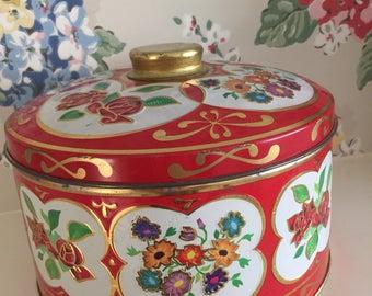 Vintage pretty tin