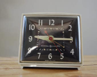 Vintage General Electric White bedside alarm clock