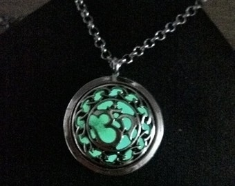Pendentif OM Glow in the drak Phosphorescent