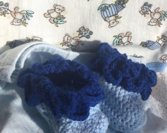 Crocodile stitch baby boy booties