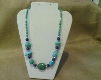 309 Magnesite Turquoise Mixed Shapes Beaded Choker