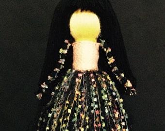 Yarn Doll - (M) 1736