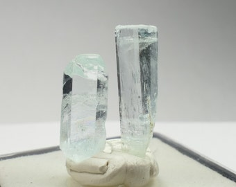 2 Specimens of natural rough Aquamarine from Pakistan 2.46g raw blue beryl crystal for wire wrapping or jewelry (#PF217)