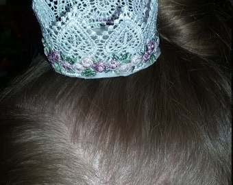 Lace crown hair clip with flowers